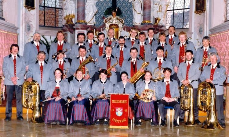 1999 Kirchenkonzert unter der Leitung von Josef Mair