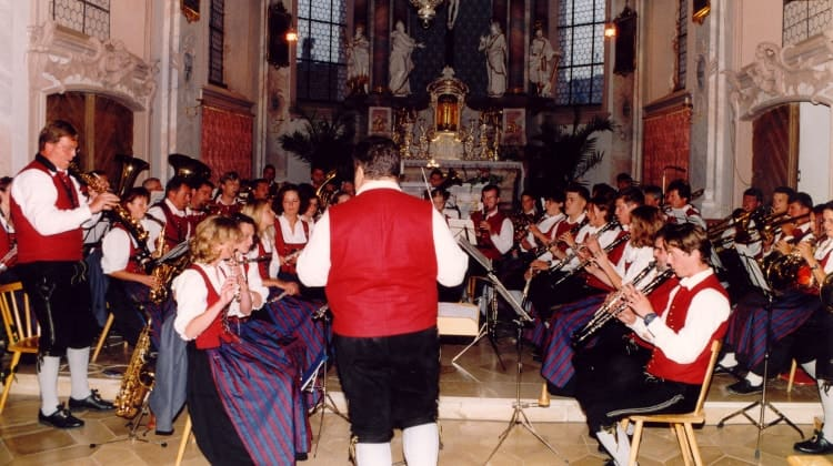 2001 Kirchenkonzert unter der Leitung von Leo Fischer