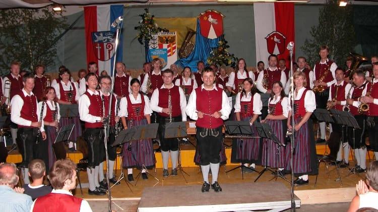 2006 Bezirksmusikfest in Oberostendorf unter der Leitung von Anton Müller